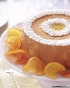 Brown Sugar Angel Food Cake with Candied Citrus Slices for a lighter graduation cake. This heavenly angel food cake topped with candied citrus slices will show your grad how proud you are. Angel Food Cake Pan, Angel Cake, Cake Recipe Martha Stewart, Types Of Sponge Cake, Candied Lemon Slices, Graduation Desserts, Graduation Cake, Cake Recipes, Dessert Recipes