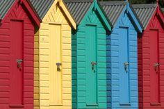 Beach Huts - Llanbedrog, Gwynedd @ http://www.trekearth.com/gallery/photo133886.htm