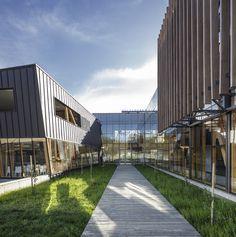 Galería de CFT ARAUCO DUOCUC / GDN Architects - 10 Medium, Chile, Facade, Skyscraper, Multi Story Building, Sidewalk, Public, Buildings, Mood