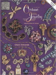 Collectible Costume Jewelry: Identification and Values: Cherri Simonds: 9780891457626: Amazon.com: Books