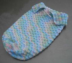 New Knitting Baby Sleep Sack Yarns Ideas Baby Cocoon Pattern, Crochet Baby Cocoon, Crochet Bebe, Baby Knitting Patterns, Loom Knitting, Baby Patterns, Crochet Patterns, Free Knitting, Baby Bunting Bag