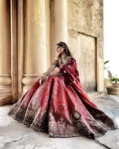 Sneak Peek Into JJ Valaya's Summer Wedding Collection 2021 Indian Bridal Fashion, Indian Fashion Dresses, Indian Designer Outfits, Best Indian Wedding Dresses, Classic Wedding Dress, Late Summer Weddings, Summer Wedding Outfits, Indian Attire, Indian Wear