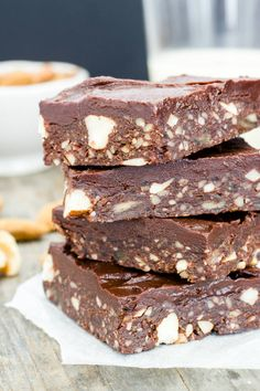 ideas recipes dessert healthy chocolate brownies for 2019 Raw Vegan Desserts, Vegan Sweets, Healthy Recipes, Healthy Baking, Healthy Desserts, Raw Food Recipes, Vegan Raw, Vegan Baking, Vegan Dinners