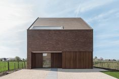 Moderne Nieuwbouw woning Merchtem - Architecten Hofmans Modern Architecture House, Facade Architecture, Prefabricated Houses, House Elevation, House Goals, Art Of Living, Traditional House, My House, Home And Family