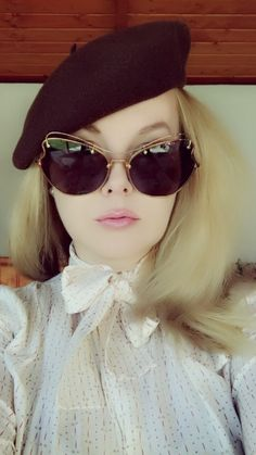 Beret, Antique Gold, Cat Eye Sunglasses, Miu Miu, Catwalk, Model, Style, French, Dance Moves