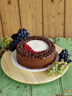 Panna Cotta, Food And Drink, Candy, Chocolate, Ethnic Recipes, Fruit Cakes, Mascarpone, Dulce De Leche, Chocolates