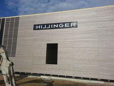 Hillinger Hallenbeschriftung - hiterleuchtetes Acrylschild mit ausgelagerten Buchstaben