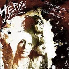 """La sountrack per """"Heroine Diaries"""" dei #Sixx non è per nulla quello che ci si aspetta da un bassista dei Mötley Crüe bassist. Infatti, questo album apre la strada verso nuovi orizzonti."""