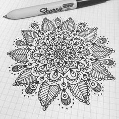 Phone doodles turned into something cool  #art #artist #doodle #mandala #drawing #illustration #henna #boho #jenndalyn