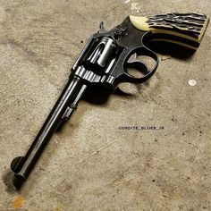 Save those thumbs Custom Revolver, Revolver Rifle, 1911 Pistol, Military Weapons, Weapons Guns, Guns And Ammo, Lethal Weapon, Assault Weapon, Combat Knives
