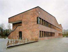 Sede Administrativa de RBSUM / KBNK 8Trittau, Alemania) #architecture