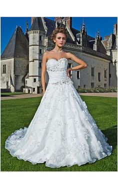 A-line Sweetheart Strapless Chapel Train Organza Wedding Dress