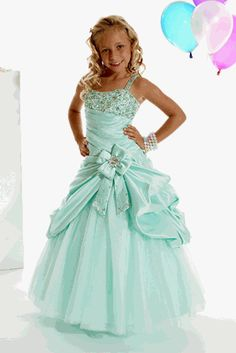 I just love this classic mint pageant dress. She looks so sweet!