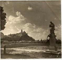 70. výročie bombardovania Nitry Coventry, Statue Of Liberty, Monument Valley, Louvre, Gallery, Building, Bikini, Travel, Pump