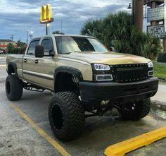 "Chevy ""I'm lovin' it"" Classic Pickup Trucks, Chevy Pickup Trucks, Gm Trucks, Chevrolet Trucks, Cool Trucks, Chevy Duramax, Chevy Silverado, Chevy 4x4, Cars"