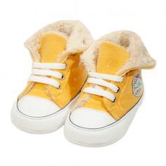 Va prezentam botoseii tip bascheti unisex (bebe) pentru toamna / iarna, calitate superioara, design fashion, colectia 2019, culoare galben intens & alb, marca Papulin, ideali pentru diferite evenimente festive (botez, nunta, onomastica, etc). Acesti botosei fac parte din categoria incaltaminte copii, fiind confectionati conform celor mai inalte standarde calitative, fabricati in Turcia. Childrens Shoes, Baby Shoes, Clothes, Fashion, Outfits, Moda, Clothing, Fashion Styles, Baby Boy Shoes