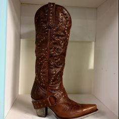 Lane Cowboy boots! I NEED these!