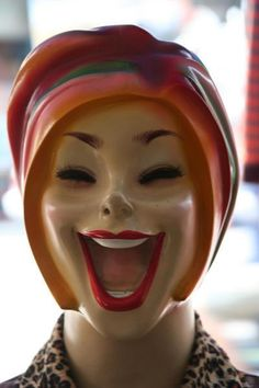 This mask fits better! Vintage Mannequin, Mannequin Heads, The Uncanny, Creepy Dolls, Thing 1, Caricatures, Mannequins, Puppets, Make Me Smile