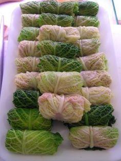 Ricette verdure: involtini di verza Vegetable Recipes, Vegetarian Recipes, Cooking Recipes, Healthy Recipes, Cabbage Rolls, Light Recipes, Food Design, Finger Foods, Italian Recipes