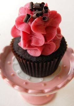 cupcake Fancy Cupcakes, Yummy Cupcakes, Wedding Cupcakes, Cupcake Shops, Cupcake Cakes, Cup Cakes, Cupcake Recipes, Dessert Recipes, Cupcake Ideas