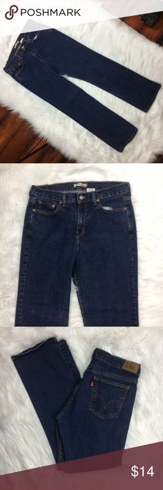 LEVIS Womens Straight Leg 505 Dark Denim Jeans LEVIS Womens Straight Leg 505 Dark Denim Jeans Sz 10 Short Petite C •	Waist 16 1/2 Inches 	•	Inseam 30 Inches 	•	98%Cotton 	•	2% Spandex Levi's Jeans Straight Leg