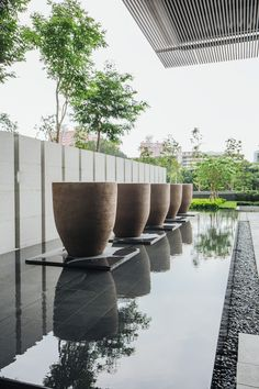Each pot of Atelier Vierkant is unique and tells a different story. Modern Water Feature, Backyard Water Feature, Pool Water Features, Water Features In The Garden, Modern Landscaping, Outdoor Landscaping, Landscape Architecture, Landscape Design, Scda Architects