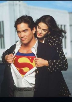 """Others playing Superman on TV included Dean Cain, here with costar Teri Hatcher in """"Lois & Clark: The New Adventures of Superman. Superman And Lois Lane, Adventures Of Superman, Superman Family, Clark Superman, Superman Poster, Lois E Clark, Clark Kent, Dean Cain, Teri Hatcher Superman"""
