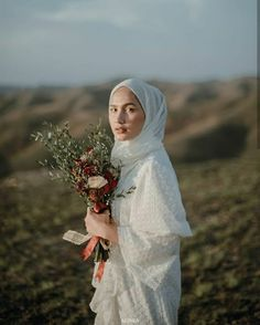 Malay Wedding Dress, Muslim Wedding Dresses, Pre Wedding Poses, Pre Wedding Photoshoot, Wedding Backdrop Design, Outdoor Engagement Photos, Minimalist Wedding Dresses, Couple Photography Poses, Dream Wedding