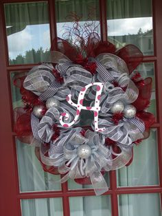 Alabama Wreath...mom could easily make this for the pool gate