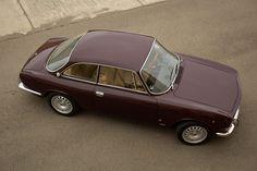 Classic Car News Pics And Videos From Around The World Alfa Romeo Gtv 2000, Alfa Gtv, Rolls Royce Cars, Best Muscle Cars, Austin Healey, Automotive Art, Car Show, Jaguar, Euro