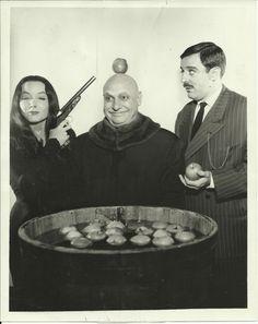 Mortitia, Fester, and Gomez