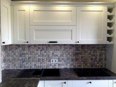 Фото дизайна белой кухни 8 кв м фабрики Alvaline