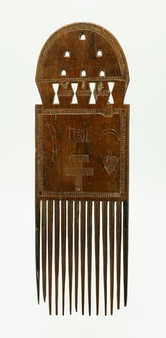 suchasensualdestroyer:    Akan (Ghana), Comb, wood, c. mid-20th c.