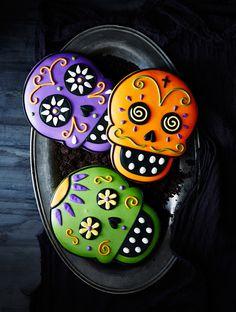 Super coole Idee Totenköpfe zu Halloween im Look von 'Day of the Death' zu…