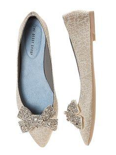 'Gigi' Crystalline Bow  Shoe Clips http://www.dessy.com/accessories/gigi-shoe-clips/