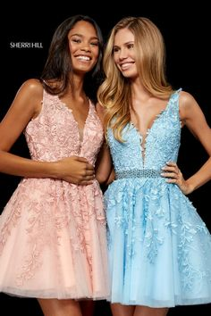 Shop prom dresses and long gowns for prom at Simply Dresses. Floor-length evening dresses, prom gowns, short prom dresses, and long formal dresses for prom. Sherri Hill Short Dresses, Sherri Hill Homecoming Dresses, Cute Prom Dresses, Prom Dresses For Teens, Prom Dress Stores, Semi Dresses, Dress Shops, Elegant Dresses, Party Dresses