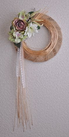 Pin by koko on お正月 Unique Flower Arrangements, Unique Flowers, Diy Flowers, Spring Flowers, Flower Decorations, Deco Wreaths, Wreaths And Garlands, Japanese Floral Design, Ideas Prácticas