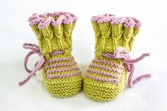 Ravelry: Tulip Pleat Top Booties pattern by Alma Mahler