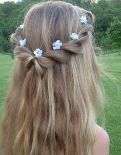 Flower Braids (Hair and Beauty Tutorials) Imagine this half up twisted hairdo with the ends curled. Perfect for a fairytale look at graduation!Imagine this half up twisted hairdo with the ends curled. Perfect for a fairytale look at graduation! Flower Girl Hairstyles, Little Girl Hairstyles, Cute Hairstyles, Braided Hairstyles, Wedding Hairstyles, Spring Hairstyles, Hairstyle Ideas, Children Hairstyles, Evening Hairstyles