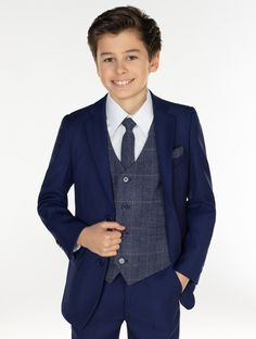 A special addition to the Paisley of London collection is the Kingsman and Benedict combo that is suitable for all formal occasions.   http://bit.ly/2mBrQUf   #roco #suit #kidsfashion #formalwear #pageboy #groomsman #wedding