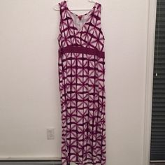 Plus Size Merona Maxi Dress Pretty purple maxi dress. T-shirt type material, so very comfortable. And very flattering. Very small hole on the inside where I had it safety pinned. Not visible when worn! Merona Dresses Maxi