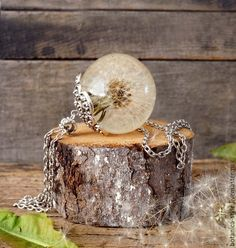 Купить Кулон-сфера с целым одуванчиком, 35 мм - эпоксидная смола, подарок, подарок девушке