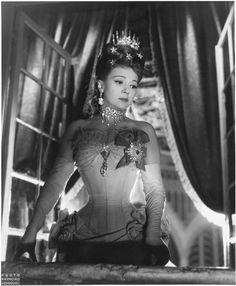 Edwige Feuillere inL'Aigle à deux têtes by Jean Cocteau (1947), photo byRaymond Voinquel