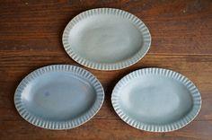 ブルーグレー 線刻楕円リム皿 - 生活陶器「onthetable」