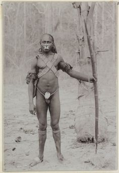 Papuans (Melanesia) : Marind tribe. Unknown photographer and date.