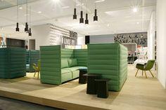 Vitra akoestische bank Alcove Plume Contract Three-Seater door Ronan & Erwan Bouroullec | www.designlinq.nl