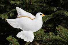 A better picture of my Christmas Dove felt ornament.