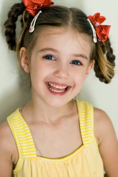Kristina Pakarina - young child model from Russia