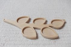1pc unfinished wooden leaf pendant tray with 2 loops, leaf wooden setting,wooden jewelry setting,wooden resin tray,jewelry making