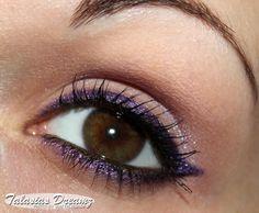 MAC Archie's Girls Pearlglide Intensiv Eyeliner Designer Purple  http://www.talasia.de/2013/03/04/mac-archies-girls-einkauf-swatches-tragebilder/